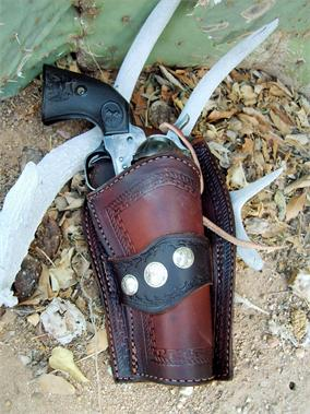 The Arizona leather gun holster comes in your choice of straight or crossdraw
