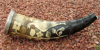 Antique hand carved gun powder horn, finely detailed in excellent condition