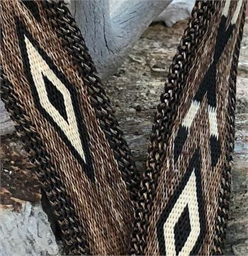 Design on hitched horsehair belt.