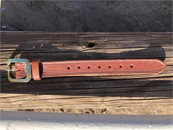 Leather belt extender available with two buckle colors