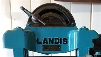 Landis Leahter Splitter in excellent condition for sale.
